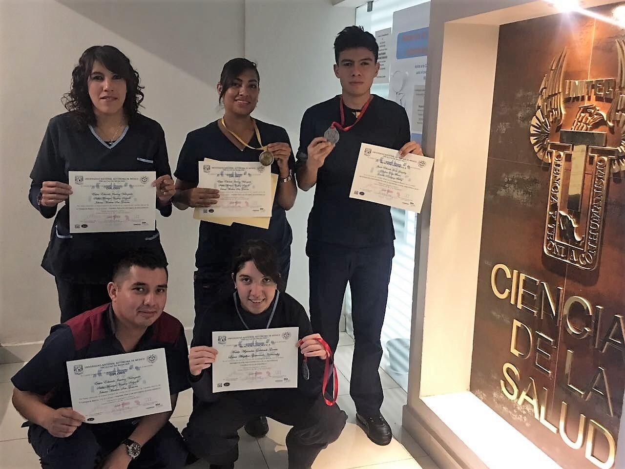 Estudiantes de Fisioterapia ganan en voto abierto concurso de cartel - Featured Image