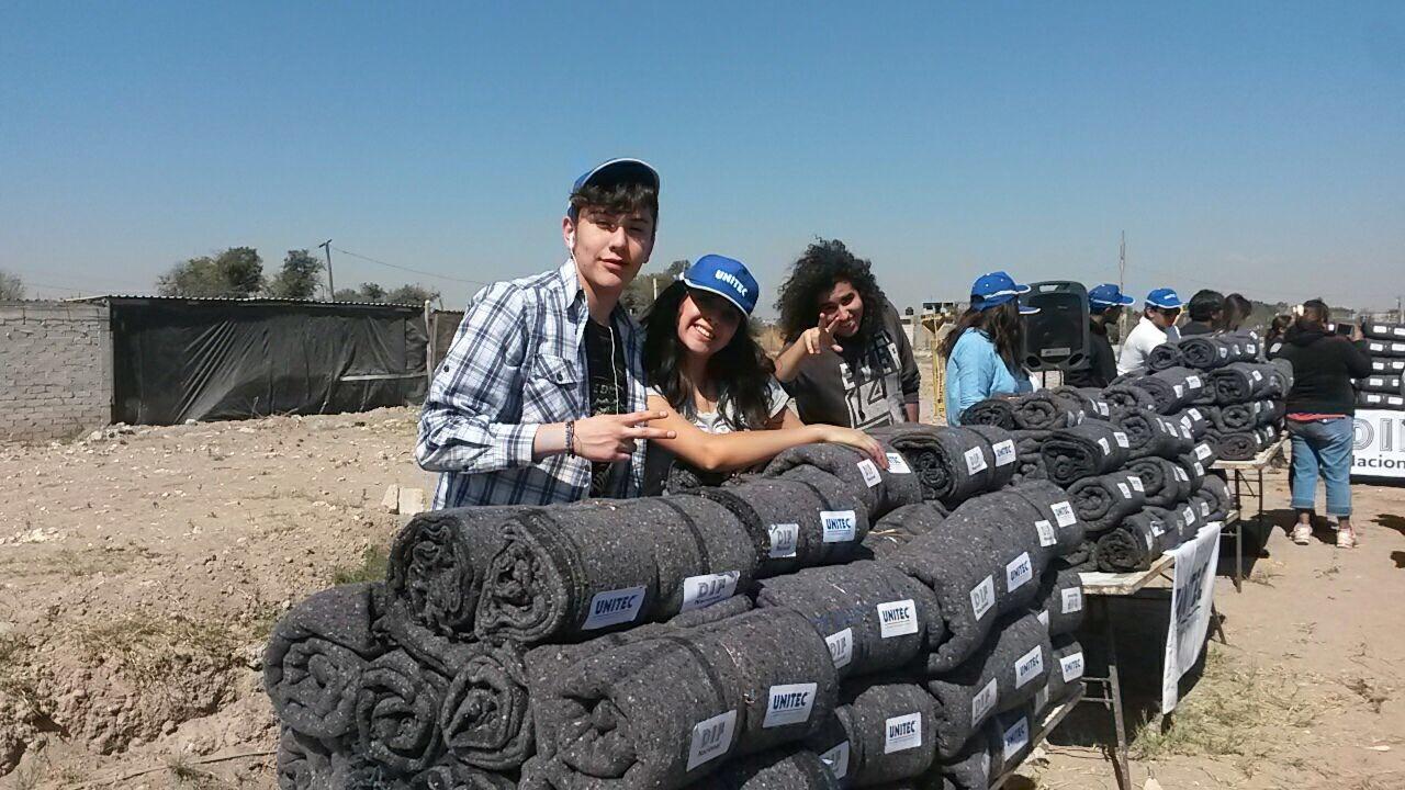 Cobíjalos entrega más de 3,000 cobijas a quien más lo necesita - Featured Image