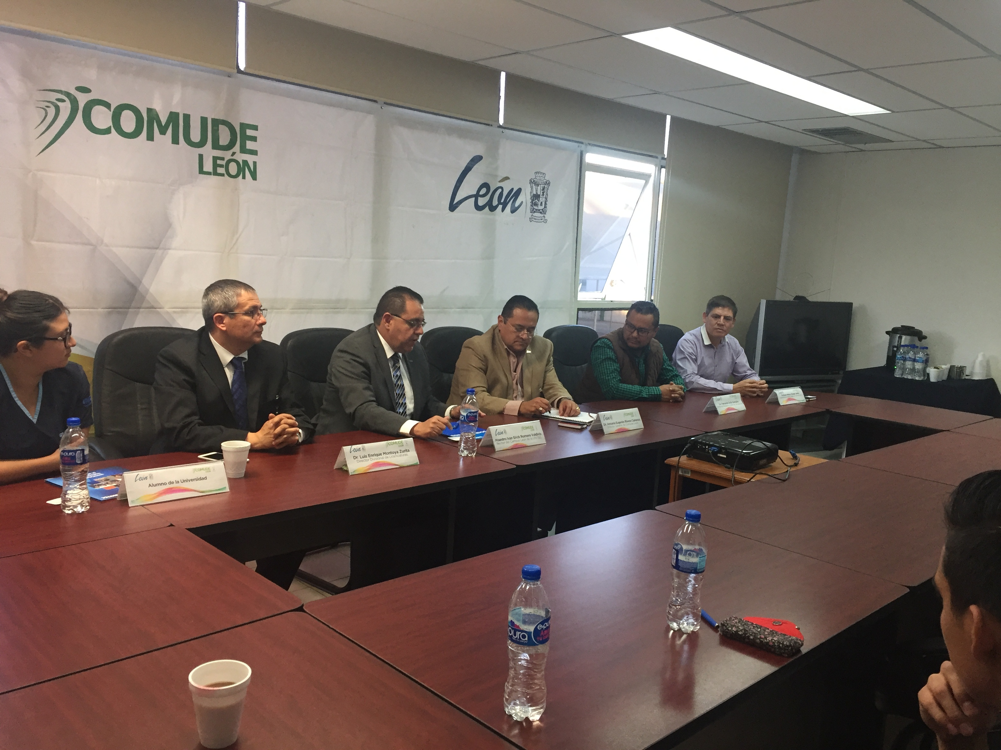 UNITEC Campus León y Comude firman convenio de colaboración