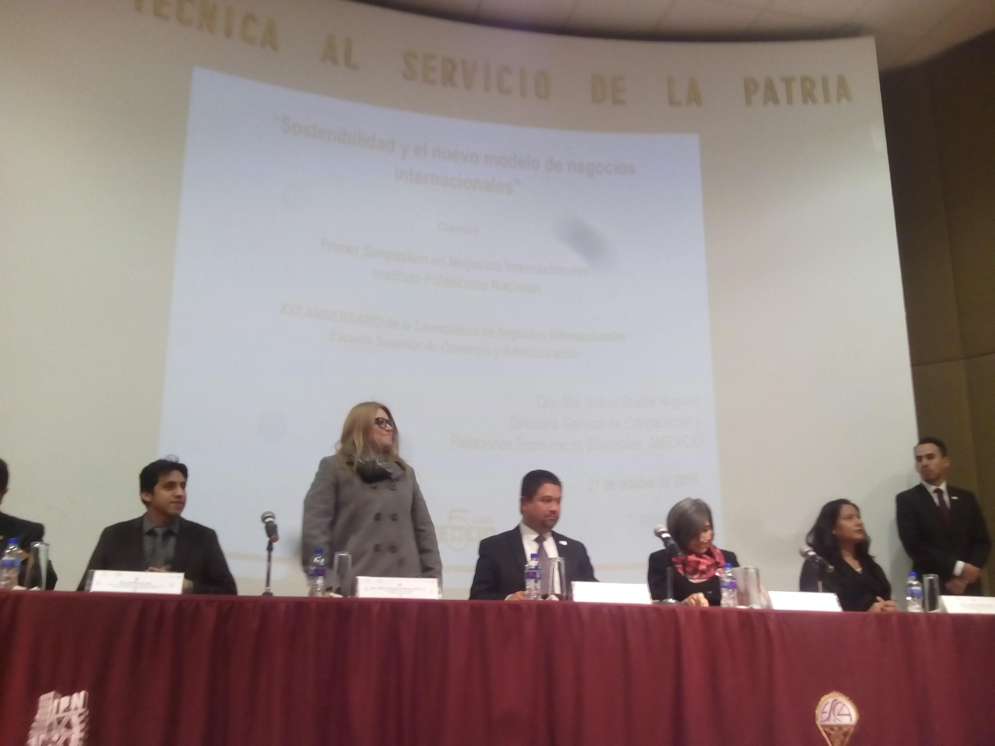 Alumnos de la UNITEC Campus Sur participan en Maratón de Logística - Featured Image