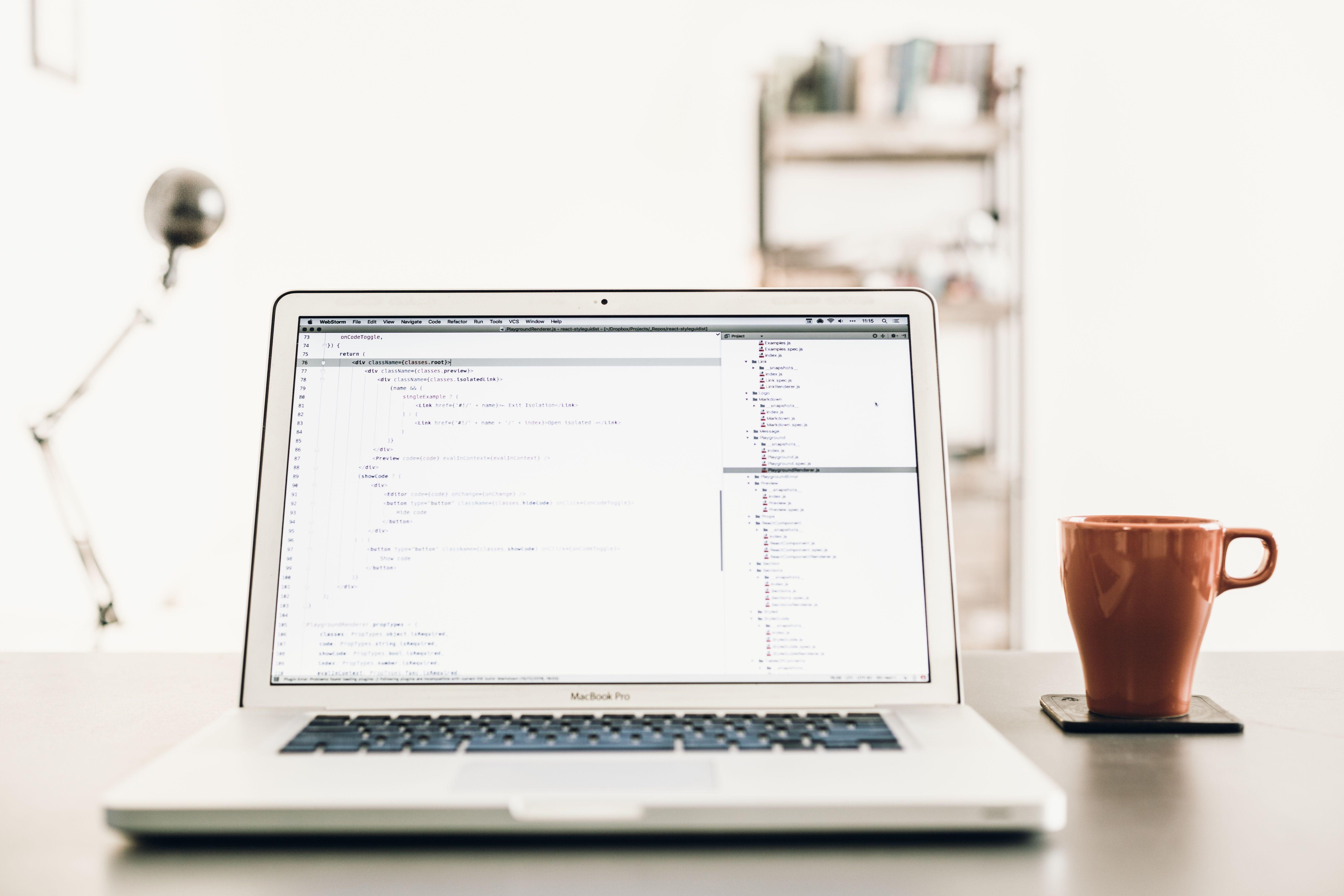4 beneficios de combinar trabajo y estudio - Featured Image