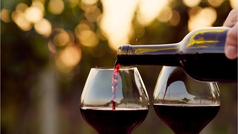 Cómo elegir una botella de vino: Lo que debes saber - Featured Image