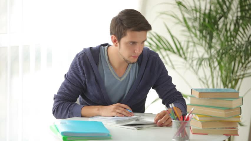 5 diferencias clave entre una maestría y un diplomado - Featured Image