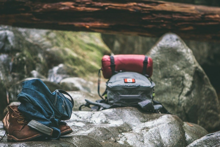 Elementos básicos en una mochila de emergencia