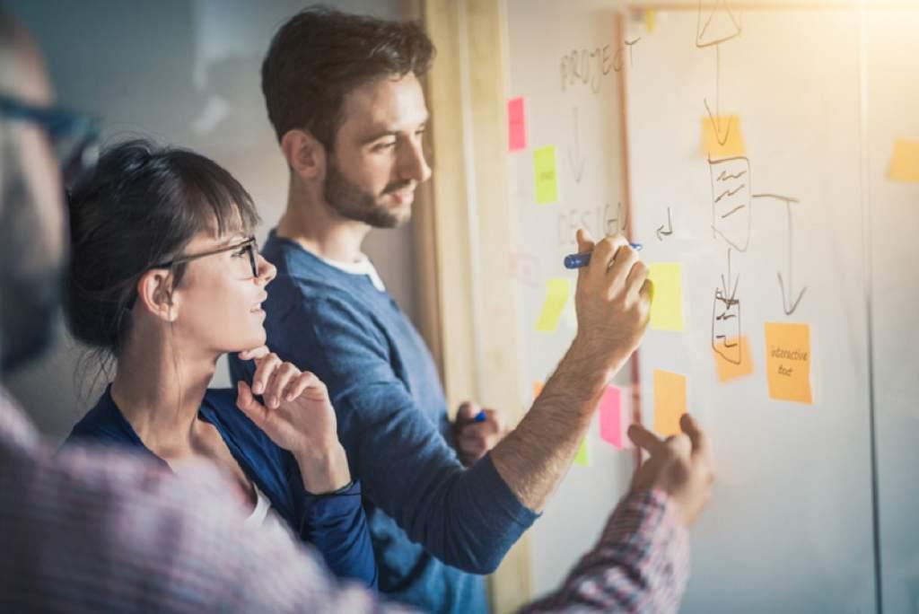 5 errores que debes evitar cuando entras a un trabajo nuevo - Featured Image
