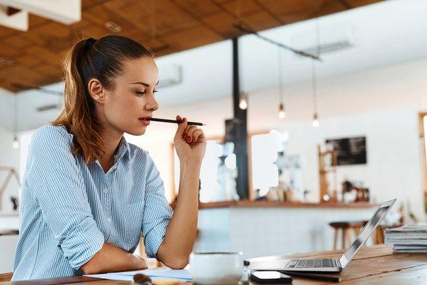 Evita el estrés mientras estudias y trabajas - Featured Image