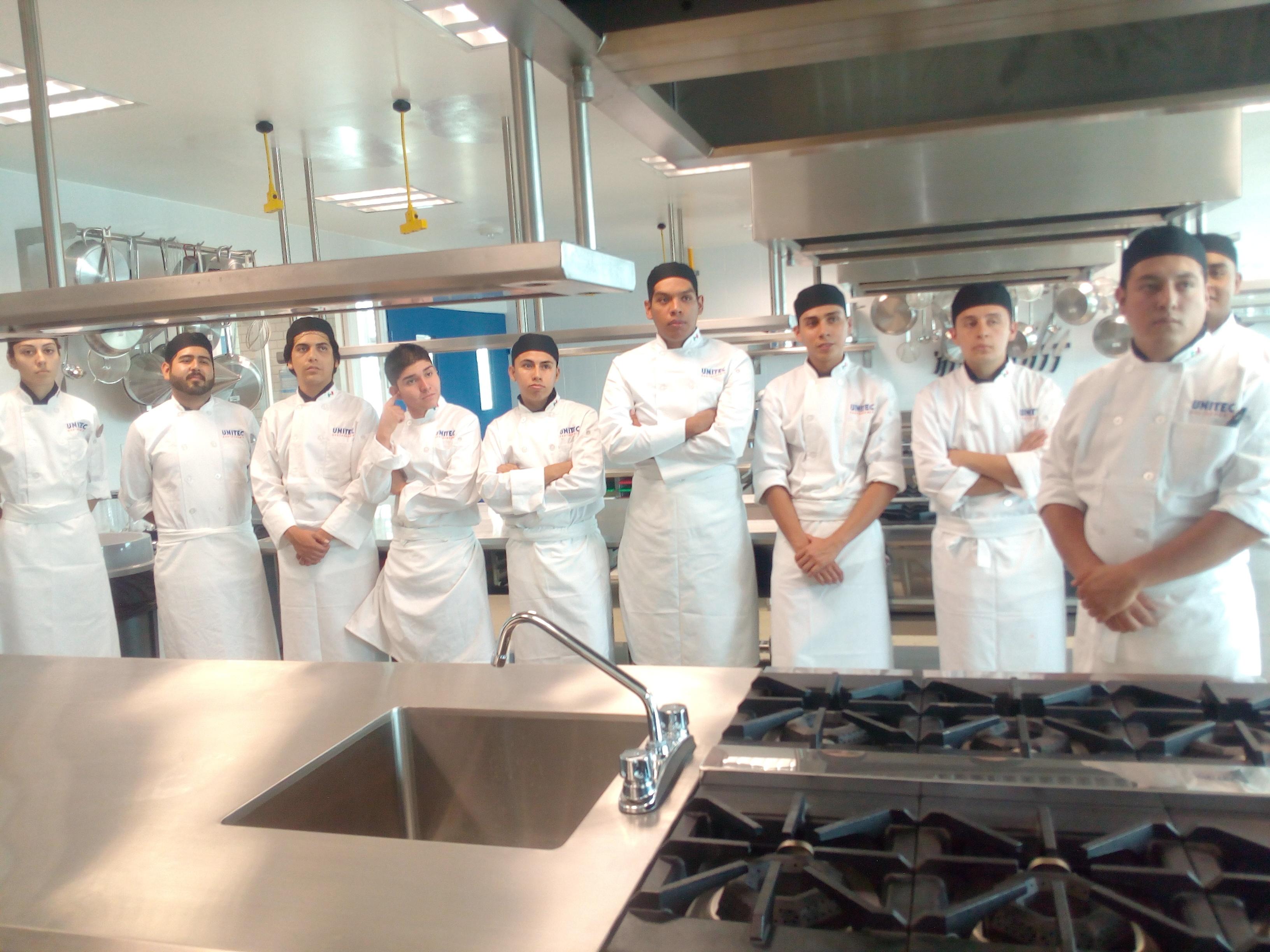 Primera generación de Gastronomía en la UNITEC Guadalajara arranca con pie derecho - Featured Image