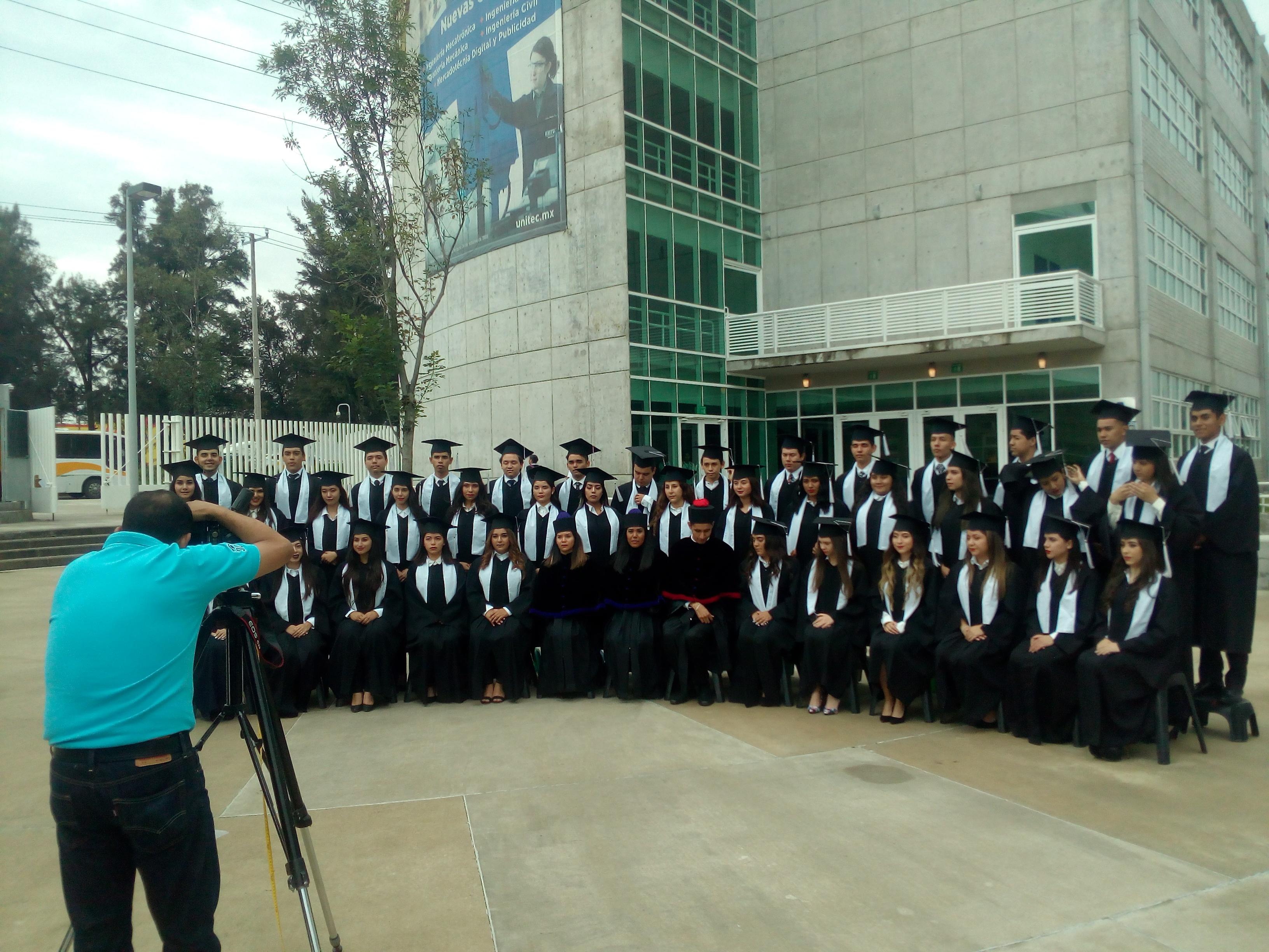 1ª. generación de prepa Campus Guadalajara se toma la foto oficial - Featured Image