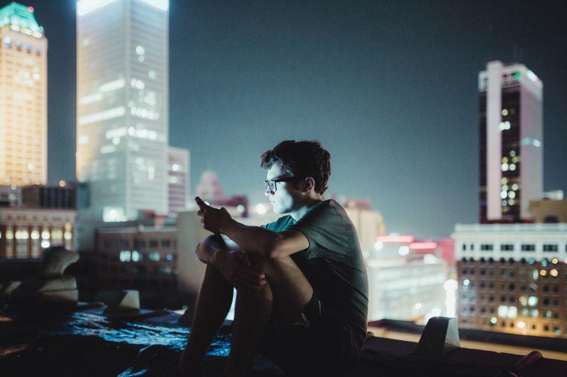 Modas peligrosas en redes sociales: ¿cómo podemos proteger a los jóvenes? - Featured Image