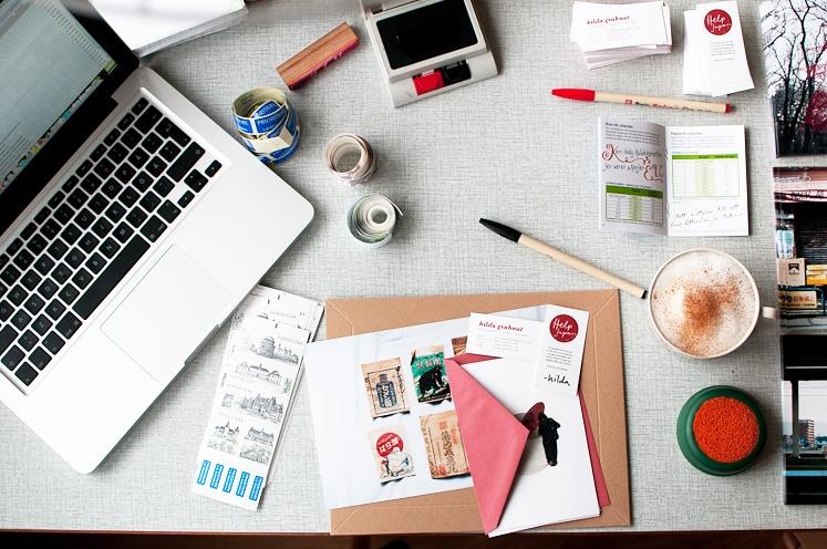 5 objetos que NO debes tener en tu lugar de trabajo - Featured Image