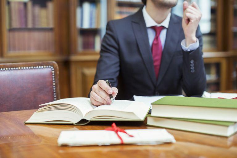 ¿Por qué estudiar una maestría en Derecho? - Featured Image