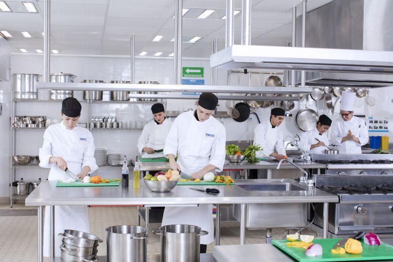 UNITEC Guadalajara presenta sus nuevas licenciaturas en Turismo y Gastronomía - Featured Image