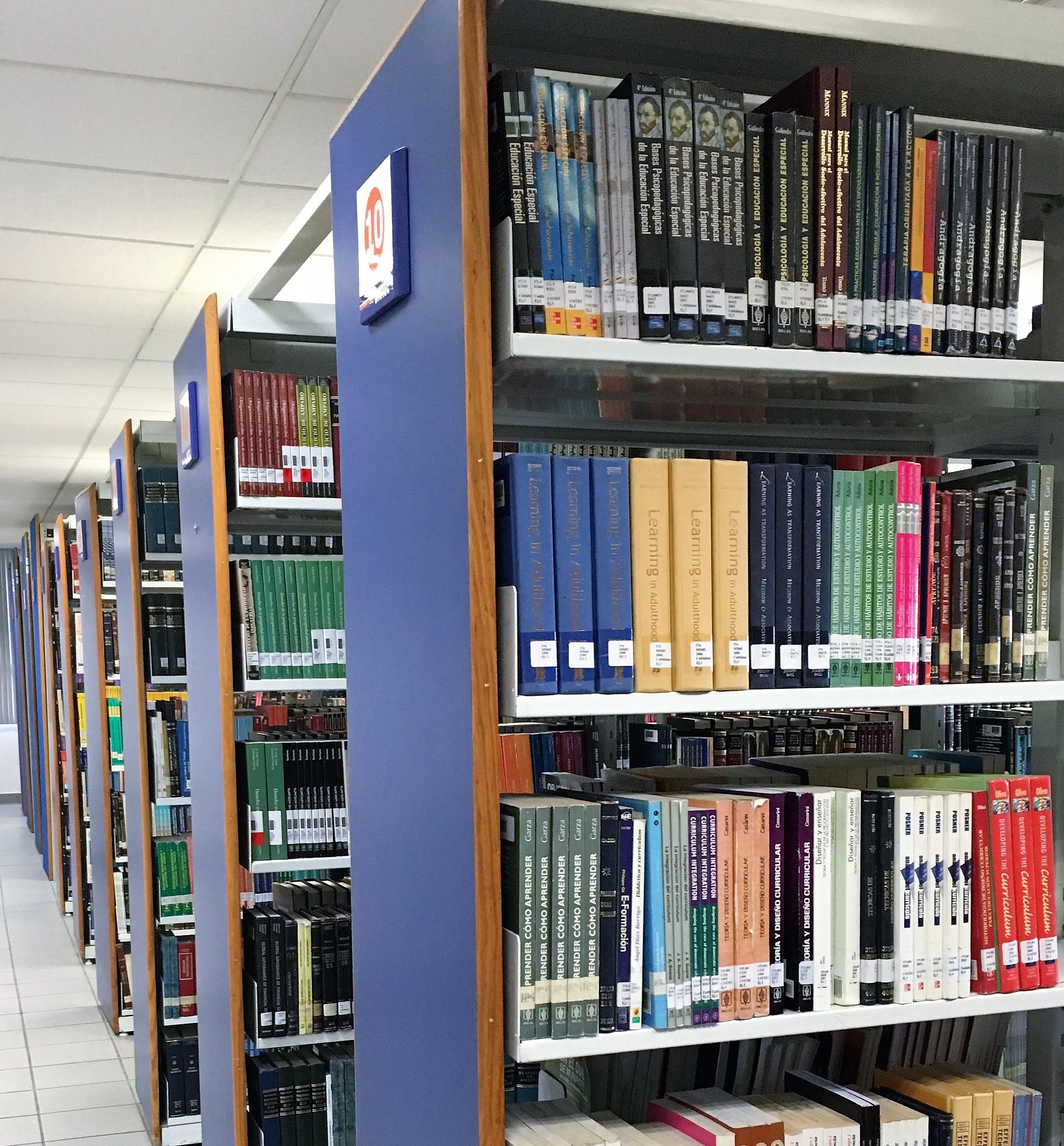 Incrementa Campus Marina su acervo bibliográfico