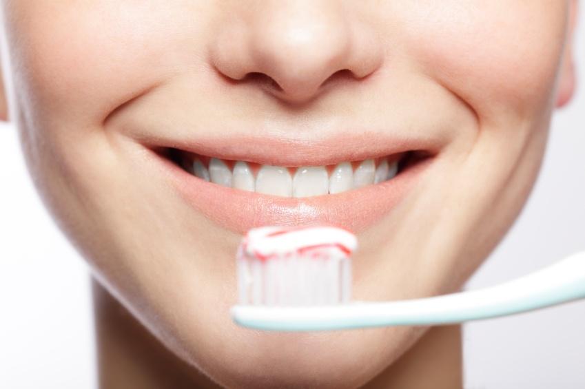 ¿Sabes cepillarte los dientes de manera correcta?