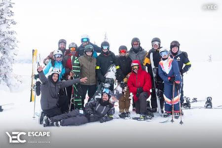 YEC Escape 2019 - Members in snow