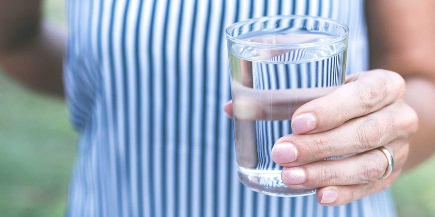il-sapore-dell-acqua-scopriamo-insieme-cosa-influenza-il-gusto-dell-acqua-che-beviamo-fonte-margherita