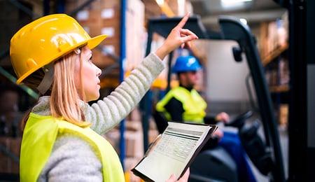 Listado de normas básicas de seguridad en un almacén