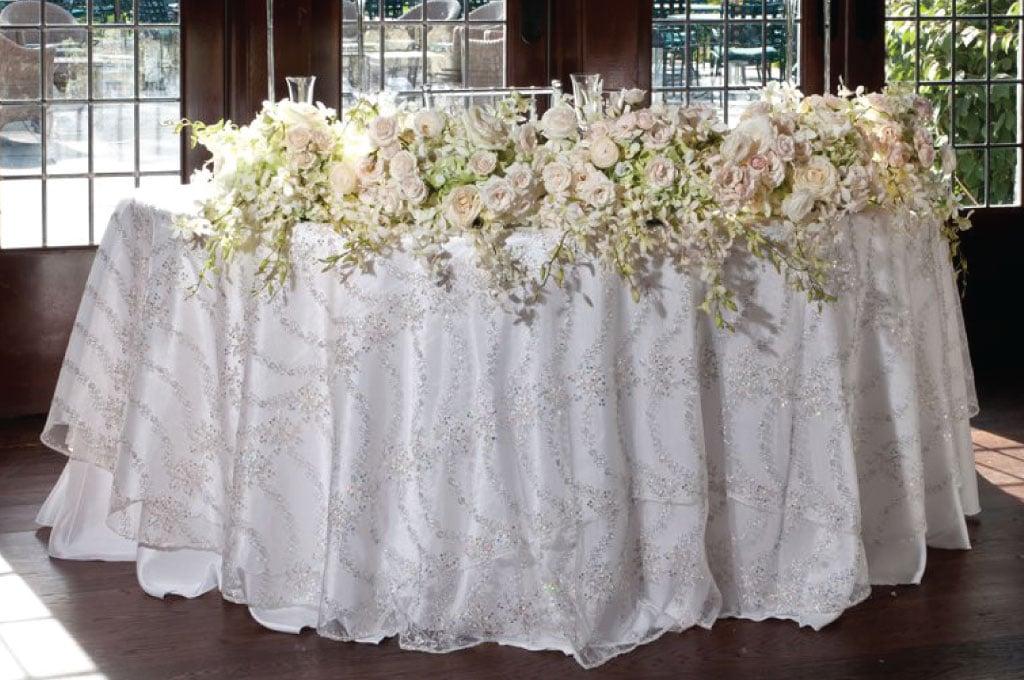 sweetheart-table-rental-linen