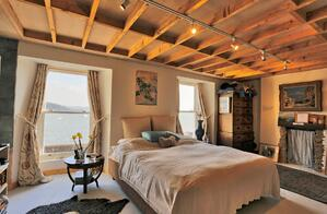 Märraum Architects_Falmouth_full renovation_bedroom with view