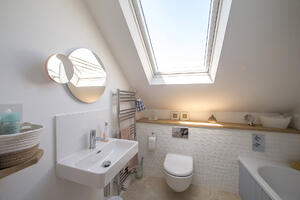 Märraum Architects_Falmouth_Loft extension_bathroom