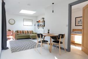 Märraum Architects_Falmouth_Garage conversion_dining