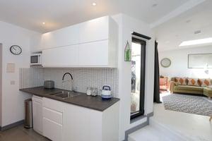 Märraum Architects_Falmouth_Garage conversion_kitchen