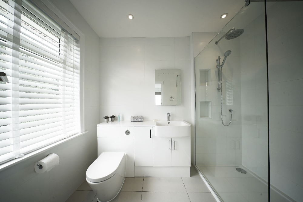 Märraum Architects_Falmouth_Full House Renovation_Ensuite-1