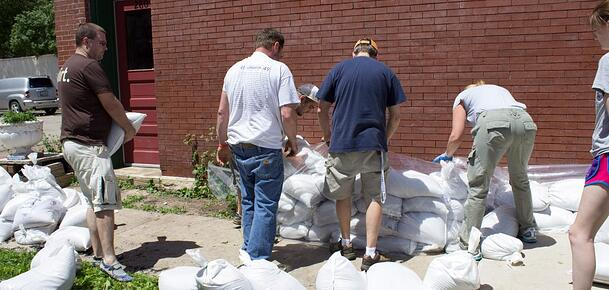 Flood-Volunteers-2013-1024x488