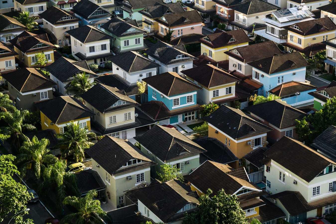 foto-aearea-varias-casas-residencias