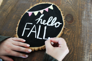 DIY Fall Chalkboard Sign