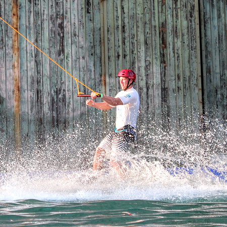 wakeboard-photos_0008_action-adult-board-209816
