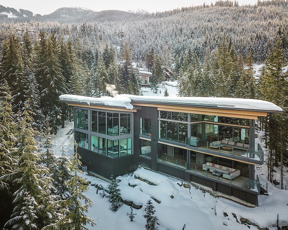 Kaedenwood lodge is a Ski-in Ski-out chalet