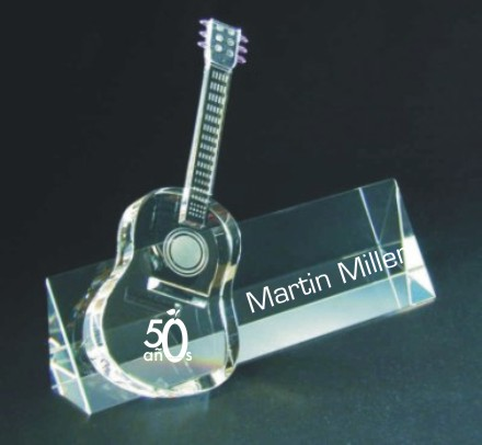Engraved_Crystal_Nameplate_Guitar