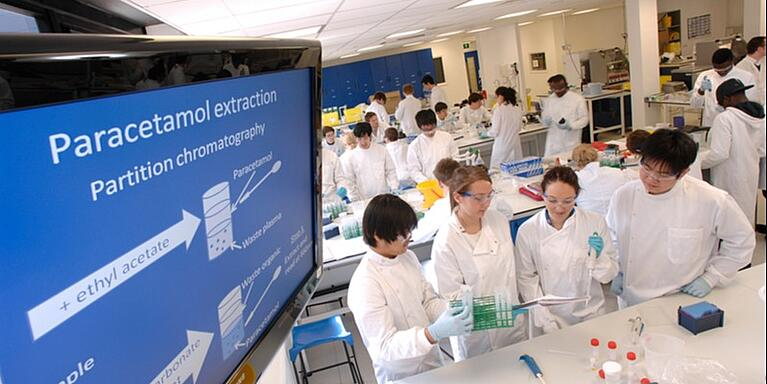 Which jobs need a biomedical sciences degree?