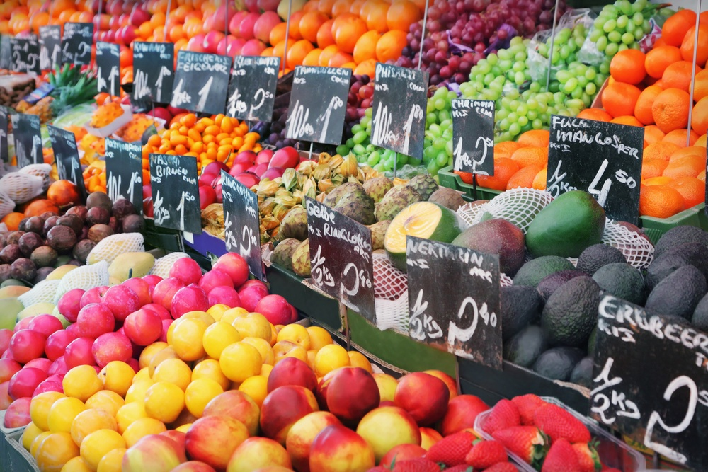organic food vs non organic food 3 essay Andthis might not be one of the advantages of organic food, but when it comes to non-food products, organic merchandise are generally a higher quality, so you don't need to buy a new cotton shirt every year when the old one falls apart.