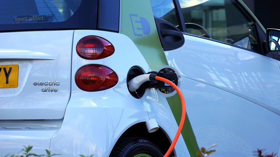 Alternative Fuel_Electric Vehicle_Pixabay