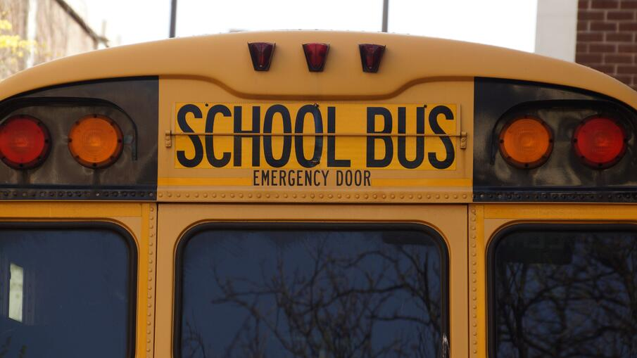 Back of school bus_PIxabay.com