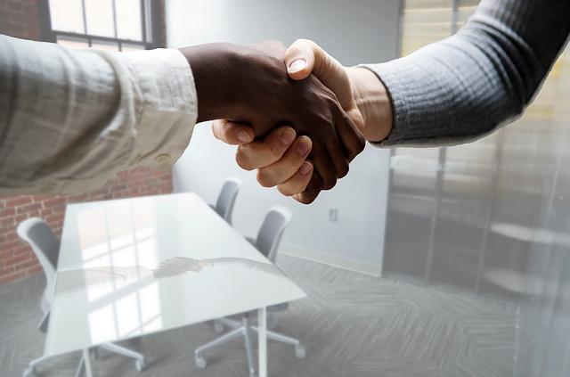 Job interview_hand shake_pixabay