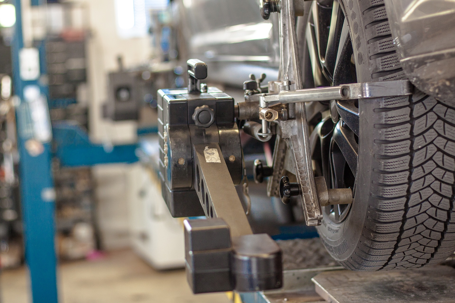 TIre Repair_Maintenance_Pixabay.com