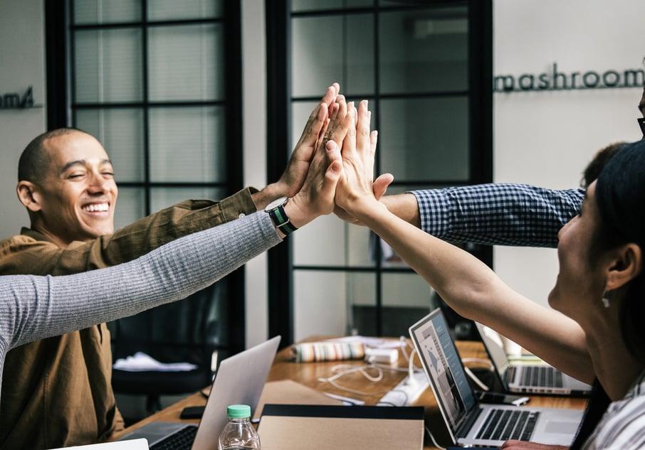 coworkers, peers_Pixabay