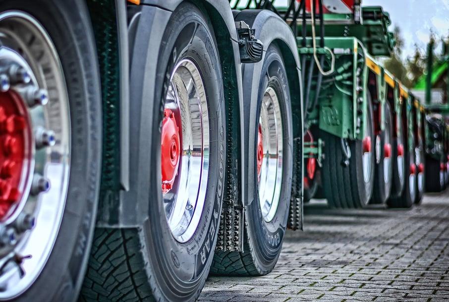 trucks fleet_pixabay