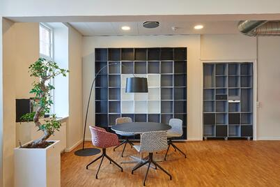 architecture-book-shelves-bookcase-chairs-245240