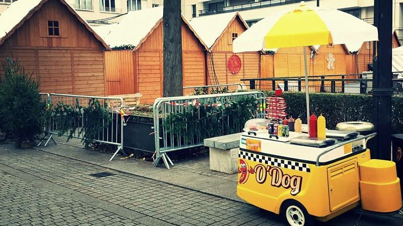 odog hot dog paris street cuisine