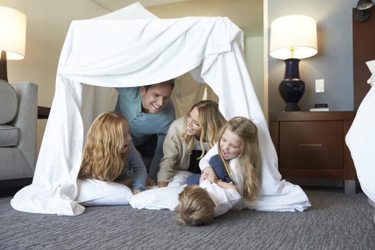 Innovative hotels - Wyndham Grand bedroom