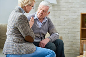 6 Tips to Improve Communication with Seniors with Hearing Impairments