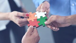 cross-company cooperation during major-critical incidents
