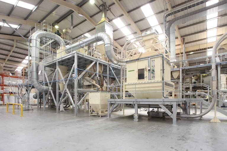 The Advantages of Tube Conveyors for Pet Food Manufacturers