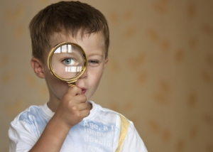 kid-magnifying-glass-search-689570-edited