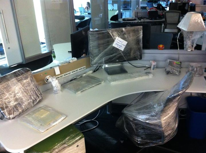 Shrink-wrapped-skrivebord-prank