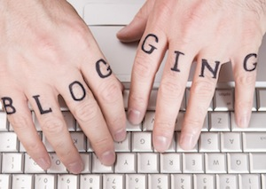 blogging-fingers-keyboard